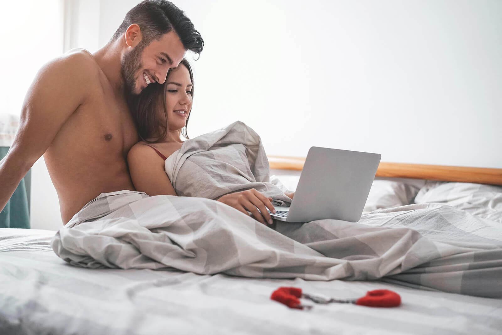 Conheça as 18 fantasias sexuais mais comuns