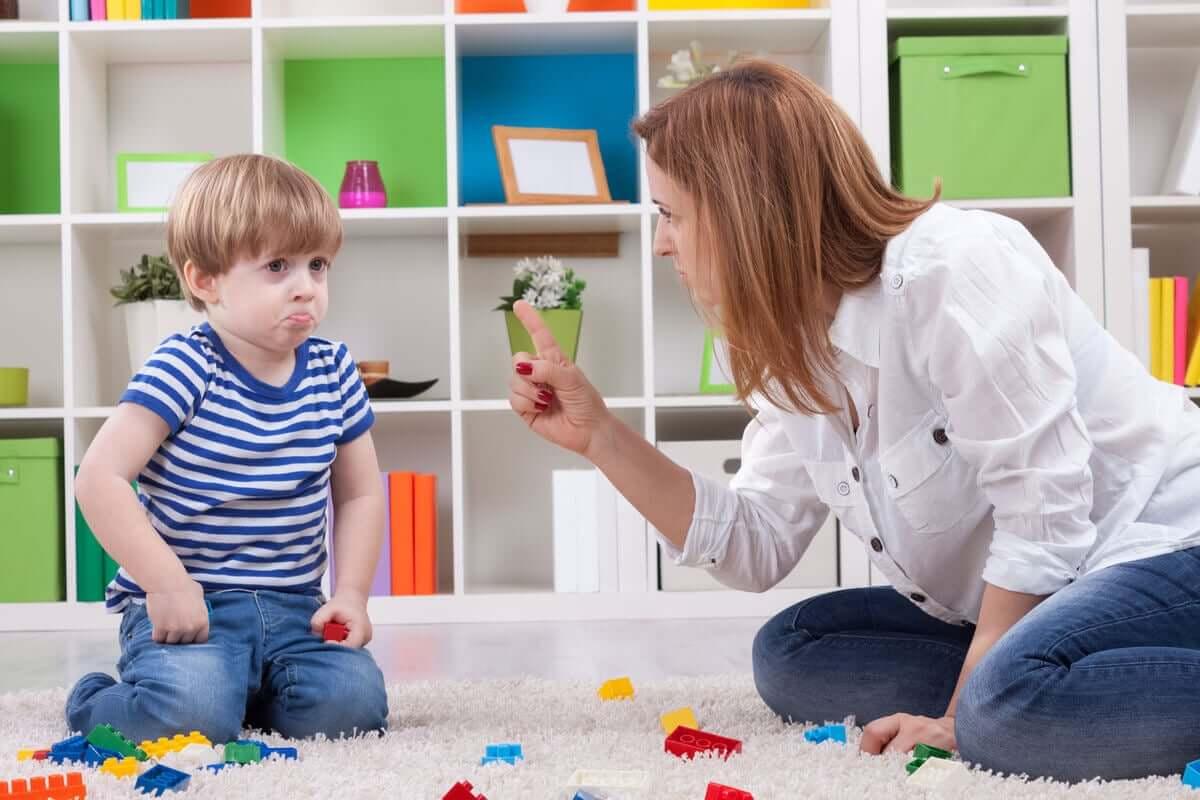 O efeito do castigo no cérebro das crianças