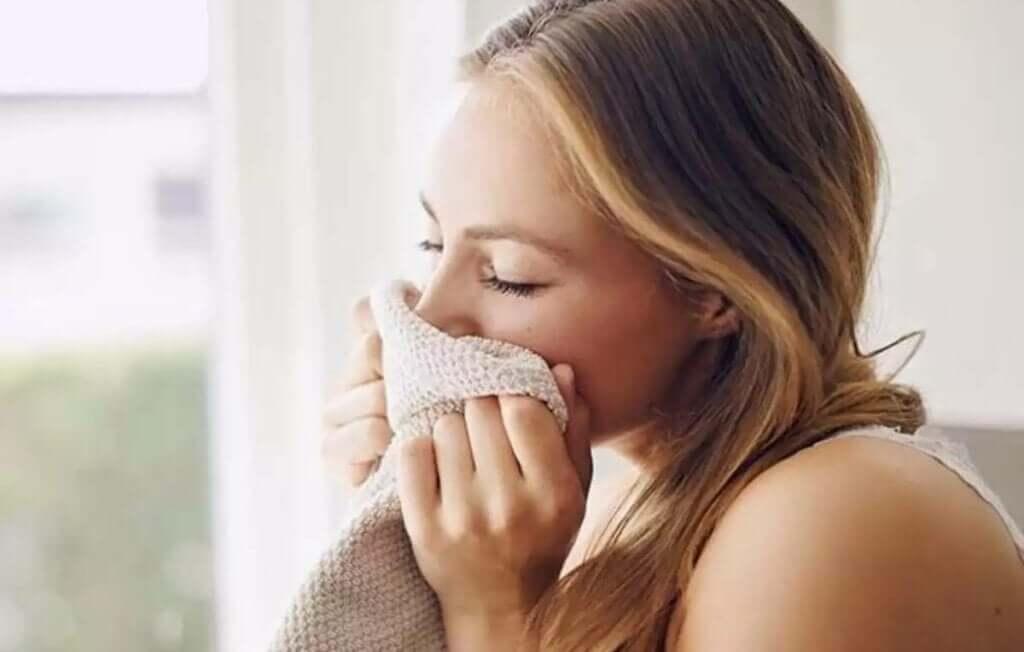 O cheiro do parceiro tem um efeito relaxante no cérebro