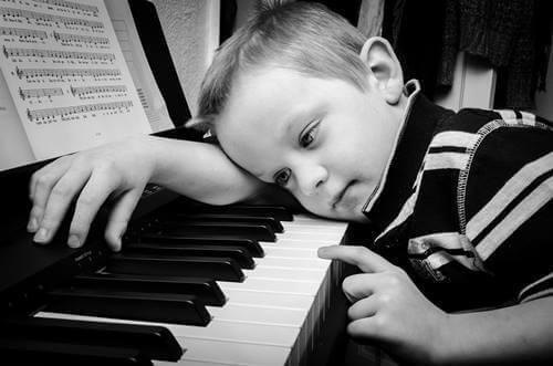 Criança desanimada: o que explica essa atitude?