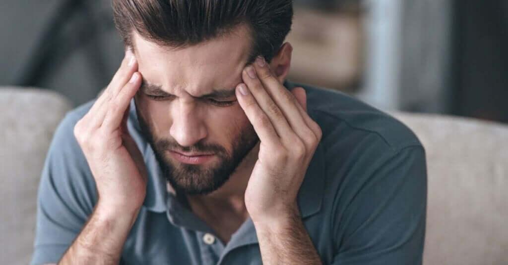 Como aliviar a dor de cabeça, de acordo com a ciência