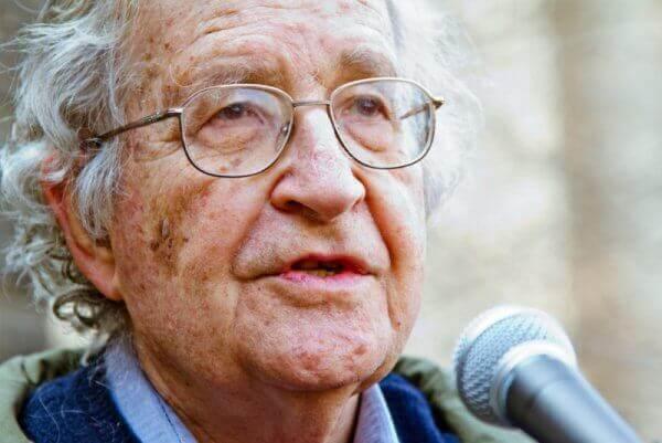 A teoria linguística de Noam Chomsky