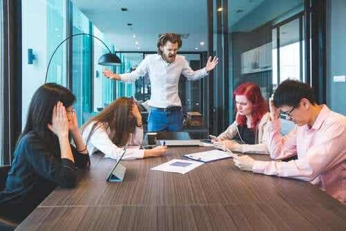 Como sobreviver em um ambiente de trabalho tóxico?