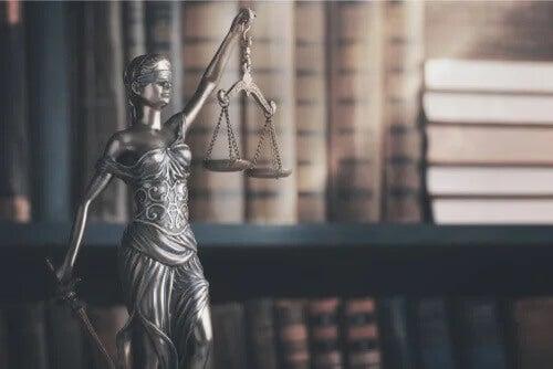5 impactantes frases sobre a justiça