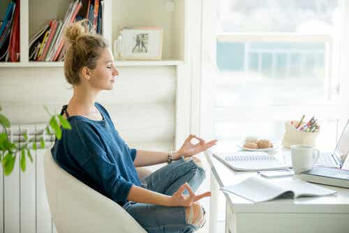 Meditar no intervalo de trabalho