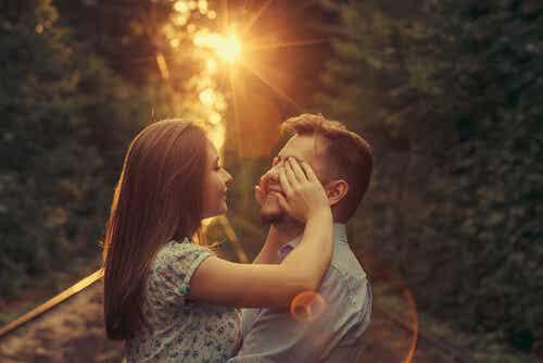 Casais felizes