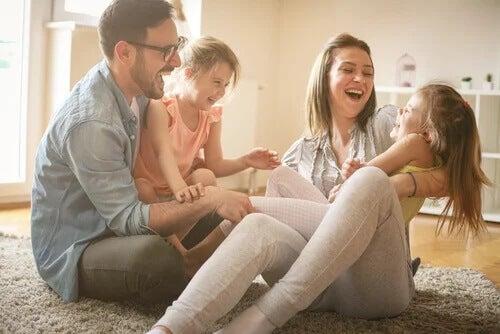 Como fica o relacionamento do casal com a chegada dos filhos?