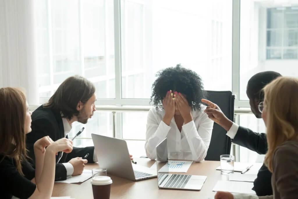 Os tipos mais comuns de assédio no trabalho