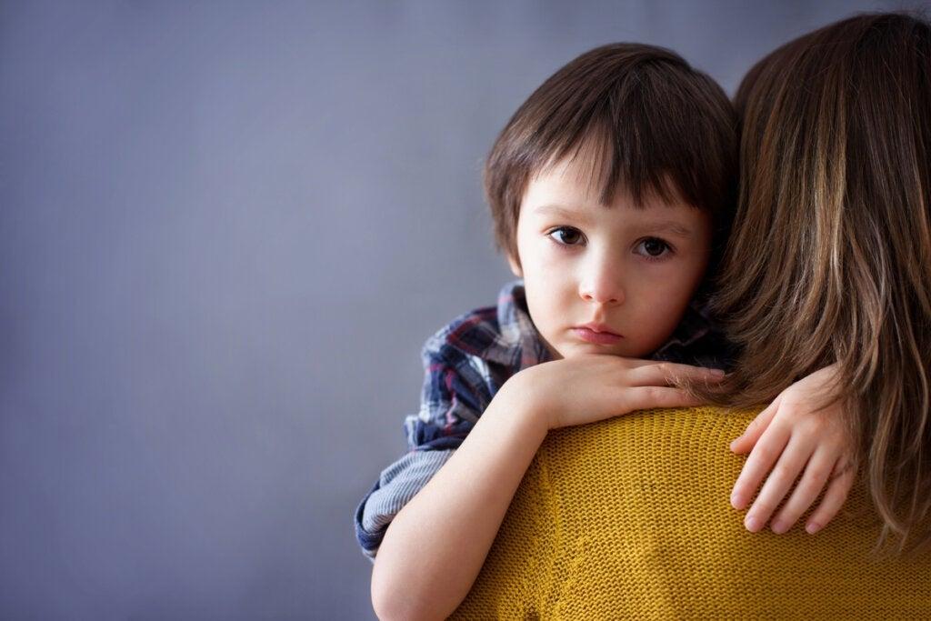 Filho âncora, quando os pais amarram emocionalmente uma criança