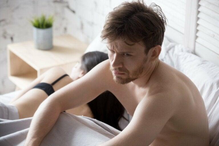 Ejaculação retardada: sintomas, causas e tratamento