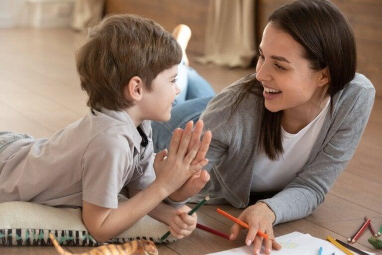 No desenvolvimento cognitivo, o nível acadêmico da mãe e o trabalho do pai pesam mais