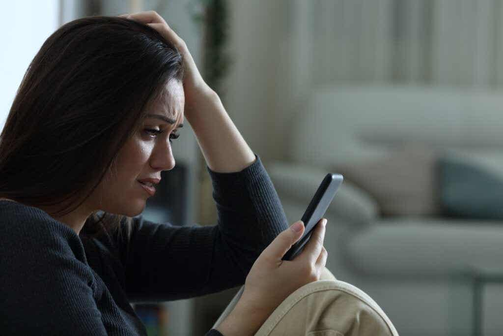 Mensagens abusivas de ex-parceiros: um risco para a saúde mental